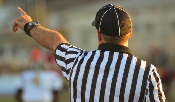 referee-1149014_1280